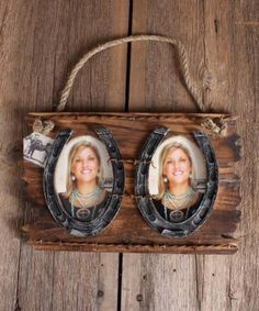 Hanging Western Double Photo Frame :: Prints Frames :: Home Office :: Decor Gifts :: Fort Western Online Horseshoe Projects, Horseshoe Crafts, Horseshoe Art, Horseshoe Ideas, Western Theme, Western Decor, Rustic Decor, Fort Western, Western Crafts