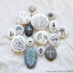 painted rocks by reyna gemalte Felsen von reyna Pebble Painting, Pebble Art, Stone Painting, Stone Crafts, Rock Crafts, Arts And Crafts, Painted Rocks, Hand Painted, Posca Art