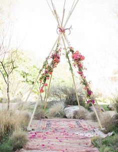 Tips for a Floral Themed Wedding Decor Simple Wedding Arch, Unique Wedding Colors, Simple Weddings, Boho Wedding, Floral Wedding, Wedding Ceremony, Wedding Flowers, Dream Wedding, Wedding Day