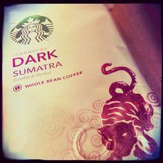 Este es, sin duda, mi café internacional favorito #kaffe #dark #sumatra #sibarita #starbucks #beans #coffe #noinstagramfilter #pixlrexpressedited
