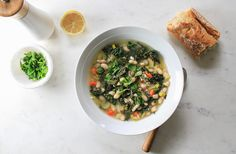 LEMONY KALE, LEEK & WHITE BEAN SOUP - The Simple Veganista
