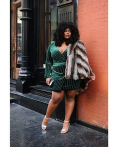 """402 Me gusta, 8 comentarios - The Curvy Fashionista (@thecurvyfashionista) en Instagram: """"Are you still looking for a few fancy finds for the holiday season and beyond? Well, @popupplusny…"""""""