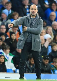 4th November 2018, Etihad Stadium, Manchester, England; EPL Premier League football, Manchester City versus Southampton; Manchester City manager Pep Guardiola issues instructions to his players from the technical area (photo by David Blunsden/Action Plus via Getty Images) Manchester England, Manchester City, Pep Guardiola Style, 4th November, Masculine Style, Moda Casual, Super Sport, Men Style Tips, Fotografia
