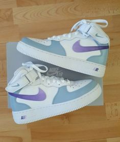 Dr Shoes, Hype Shoes, Me Too Shoes, Jordan Shoes Girls, Girls Shoes, Jordans Girls, Jordan Outfits, Shoes Jordans, Nike Shoes Air Force
