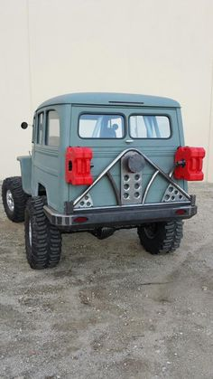 1955 Willys wagon build - great metalwork on the bumper and rack - : and Off-Road Forum Jeep Pickup, Jeep 4x4, Jeep Truck, Willys Wagon, Jeep Willys, Jeep Wagoneer, Rural Willys, Jeep Mods, Old Jeep