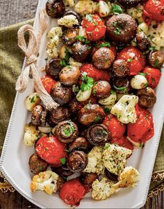 Enjoy this side dish of roasted Italian veggies including mushrooms, tomatoes and cauliflower. Perfect for Cycle 1 of the 17 Day Diet.
