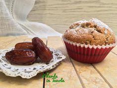Muffin vegani con datteri e pinoli - Vi sono avanzati dei datteri dopo le feste? Ecco come utilizzarli per preparare una colazione sana e deliziosa.