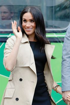 """48bd06429efe80 meghanmarklesmafia: """"""""The Duchess of Sussex greeting members of the public  on October 18th"""