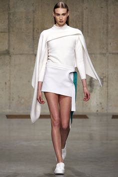 J.W.Anderson Fall 2013 Ready-to-Wear Fashion Show - Dauphine McKee