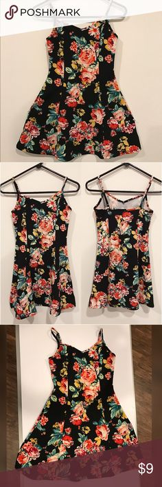 Black Floral Mini Flare Dress 👗 Product: Floral Mini Flare Dress ✨ Brand: Papaya ✨ SIZE: M ✨ Purchased from: Papaya ✨ Wear: once ✨ Perfect for Summer!! Papaya Dresses Mini