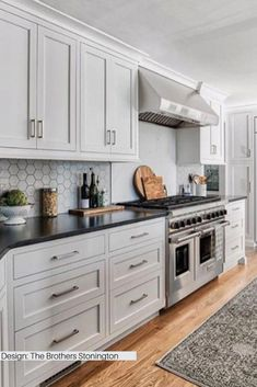 There is no question that designing a new kitchen layout for a large kitchen is much easier than for a small kitchen. A large kitchen provides a designer with adequate space to incorporate many convenient kitchen accessories such as wall ovens, raised. Classic Kitchen, Minimal Kitchen, Stylish Kitchen, French Kitchen, Cuisines Design, Modern Kitchen Design, White Contemporary Kitchen, Galley Kitchen Design, New Kitchen Designs
