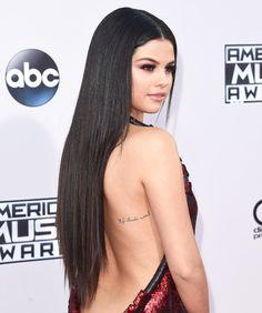 New Hairdo at AMA: Selena Gomez's sleek long hair extension at American Music Awards 2015.