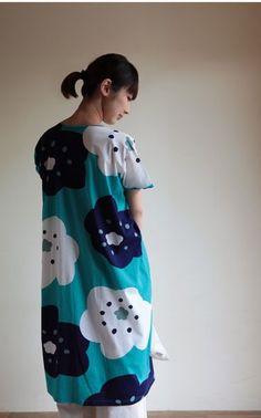 One size fits all cotton summer dress http://www.sousouus.com/apparel/rectangle-one-piece-dress-big-flowers/ $98.50 handprinted in Japan #sousou, #sou-sou, #katsujiwakisaka, #marimekko, #japan, #flowerprint