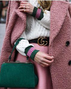 "913 Likes, 11 Comments - ZARA OBSESSION (@zaraobsession) on Instagram: ""ZARA bag 🌲💗 #zara #green #bag #gorgeous #outfit #fashion #ootd"""