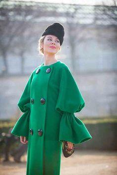 Ulyana Sergeenko in emerald green #streetstyle #fashionweek