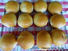 Marions Kitchen Stories: Kwarkbollen, bak er 24 in plaats van 12 !