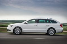 Review Skoda Superb Combi 2015 Release Side View Model