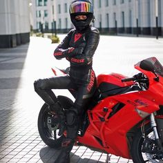 What is a motorcycle forum without a few of these? Motorcycle Suit, Motorbike Girl, Lady Biker, Biker Girl, Moto Bmx, Ducati Monster, Motorbikes Women, Chopper, Chicks On Bikes