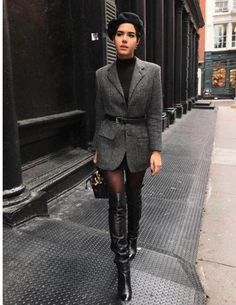 Oversized blazer / street style fashion / Fashion week Best Picture For Blazer Outfit night For Your Taste You are looking for something, and it Fashion Week, Look Fashion, Womens Fashion, Fashion Trends, Fashion Mode, Ladies Fashion, Fashion Clothes, Cheap Fashion, Fashion 2017