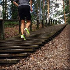 Sporttiliikkeen Comeback instagramissa porrasjuoksun muodossa  #comeback #treenit #reeni #trackandfield #tracknation #training #yleisurheilu #harjunportaat #fitness #treeni #juoksu #running by sporttiliike