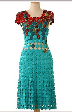 yo yo dress ~ make this out of light sweater knit to create the stretch needed. make a cropped top and flared above the knee skirt Mode Crochet, Knit Crochet, Sewing Clothes, Crochet Clothes, Yo Yo Quilt, Refashion, Dress Patterns, Dress Making, Sewing Crafts
