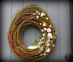Flower world. Spring Wreath maybe? Flower world. Spring Wreath hat ein Foto des gekauften Articles hinzugefügtHow to hang a wreath on the front of a craftsman by - Quor. Diy Spring Wreath, Diy Wreath, Christmas Window Decorations, Christmas Wreaths, Easter Garden, Diy Ostern, Spring Projects, Deco Floral, Easter Wreaths