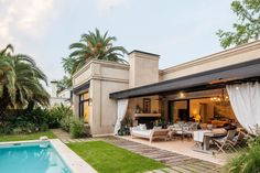 House Exterior, Modern House Exterior, New Homes, Modern Pools, Modern Mansion, Beautiful Homes, Building A House, House Designs Exterior, Modern House Plans