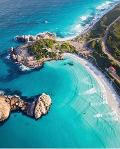 Blues from above (: - via Beautiful Destinations on : Amazing Destinations - International Tips - Dream - Exotic Tropical Tourist Spots - Adventure Travel Ideas - Luxury and Beautiful Resorts Pictures by Photography Beach, Travel Photography, Photography Tips, Landscape Photography, Australia Travel, Western Australia, Australia Beach, Coast Australia, Places To Travel