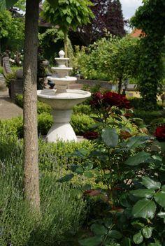 doorkijk naar fontein