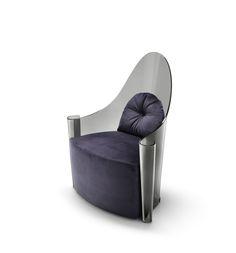 Un trono futuristico, con una struttura in vetro curvato fumé o bronzo. Grazie al know-how di Fiam nella lavorazione del vetro, un materiale statico e freddo assume un carattere nuovo, caldo e dinamico.   #designbest #MDW15 #salonedelmobile2015