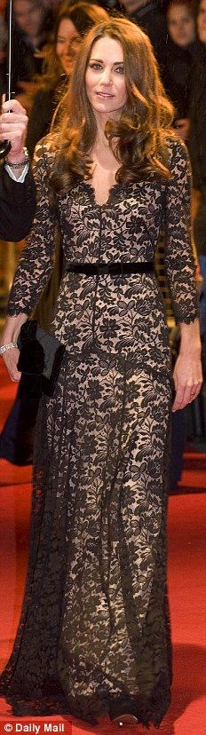 A lesson in how to be sexy without baring anything. (Temperley gown at the premier of War Horse)