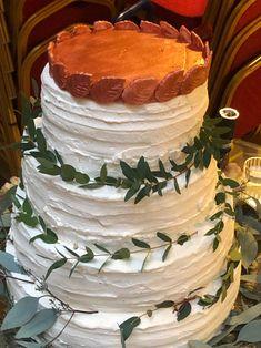 Fiecare #aniversare merită îndulcită cu un tort pe măsură!  Pentru torturi personalizate și #candybar, sună-ne ☎ 0753 313 136 sau trimite-ne un mail 💌 prajiturilechocodor@gmail.com Cake, Desserts, Food, Tailgate Desserts, Deserts, Food Cakes, Eten, Cakes, Postres
