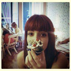 Laura Frame y un 'cupcake'