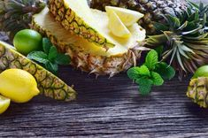 Benefits of Pineapple: Healthy and Delicious Pineapple Benefits, Pineapple Juice, Remove Skin Tags Naturally, Juice For Skin, Smothie, Get Rid Of Pores, Skin Tags Home Remedies, Jus Detox, Juicing Benefits