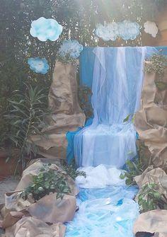 Cataratas Victoria2 Ganpati Decoration Ideas, Luau Party, Diy Party, Waterfall Decoration, Stage Props, Jungle Theme, Vacation Bible School, Blossoms, Jellyfish