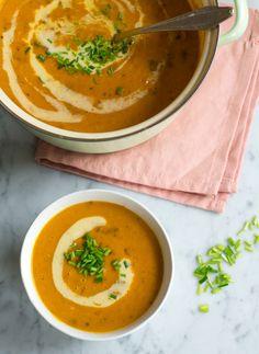 Recept Pompoen soep met cantharellen. Veganistisch, herfstig en makkelijk. #vegan #pompoen