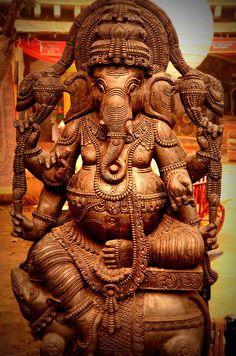 ganesha-idol-aparna-nayak.jpg (596×900)