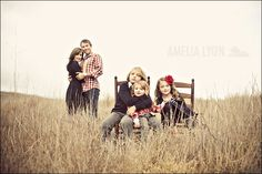who wants to do this shoot?  great posing idea for families
