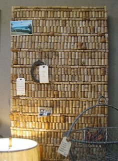 Putting all those corks to good use!  no instructions...but I think I can figure this out...it may need a backing (fabric?)