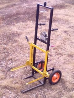 For moving beehives? Metal Working Tools, Metal Tools, Old Tools, Welding Crafts, Welding Projects, Lifting Devices, Farm Tools, Garage Tools, Metal Shop