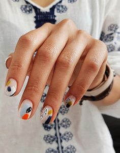 Looking for easy nail art ideas for short nails? Look no further here are are quick and easy nail art ideas for short nails. Nail Art Cute, Cute Nails, Pretty Nails, Trendy Nail Art, Print No Instagram, Instagram Nails, Minimalist Nails, Popular Nail Designs, Nail Art Designs