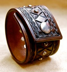 Leather cuff bracelet Brown American Cowboy King by mataradesign