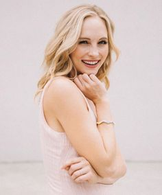 Happy birthday,my favorite vampire❤ Caroline Forbes, Vampire Diaries Cast, Vampire Diaries The Originals, The Cw, Beautiful Smile, Beautiful People, Candice King, Cute Skirt Outfits, Candice Accola