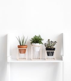 / diy woven plant stand