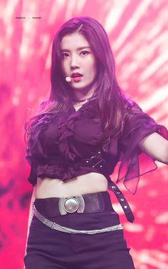 Kwon Eunbi Kpop Girl Groups, Kpop Girls, Yuri, Korean Girl, Asian Girl, Euna Kim, Honda, Japanese Girl Group, Kim Min