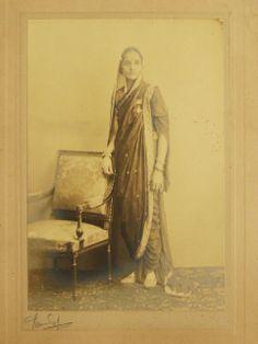 Queen of Sangli Princely State, Maharashtra - - Old Indian Photos Jaisalmer, Udaipur, Vintage India, Edwardian Era, Historical Pictures, Varanasi, Vintage Photos, Rare Photos, Wedding Tips