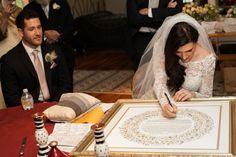 Round design ketubah. Eclectic Modern Jewish Wedding Blends Wedding Styles Together | Modern Jewish Wedding Blog