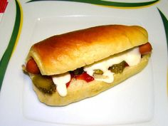Hot-dog kifli Hot Dog Buns, Hot Dogs, Bakery, Food And Drink, Pizza, Bread, Restaurant, Cookies, Gastronomia
