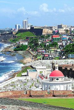 Check out our list of the TOP 10 things to do in Puerto Rico!! Click through to read more!
