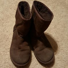 Authentic Ugg Boots Brown in used condition front is rub as shown on last pic need to be wipe but no damage UGG Shoes Ankle Boots & Booties